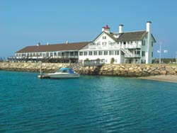The Waterfront at Lighthouse Inn